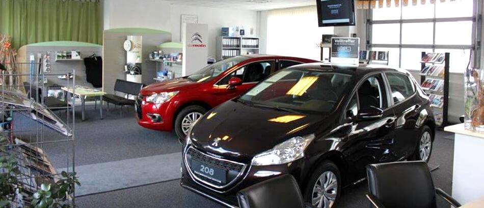 Verkaufsraum Autohaus Jentra